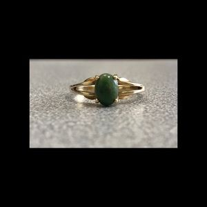 10K Gold And Jade Ring